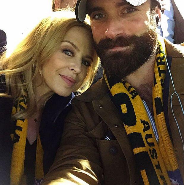 Kylie Minogue sposa il toyboy Joshua Sasse: stanno insieme da settembre